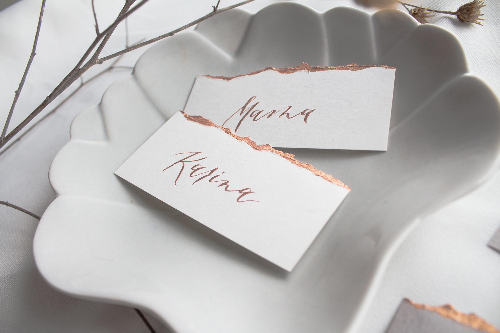 Tépett papír esküvői ültető